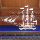 Kapal Layar Silver 1